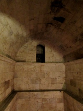 Cisterna all'interno della Chiesa di San Rufino