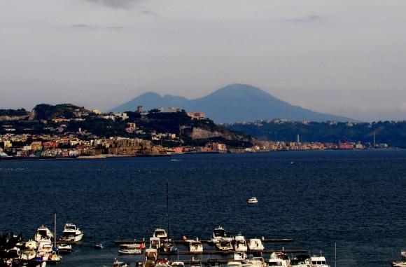 Vesuvio in lontananza - THE VESUVIUS