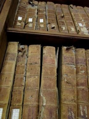 Testi danneggiati dal bombardamento - Biblioteca Capitolare di Verona