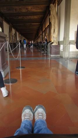 Uno dei due lunghi corridoi