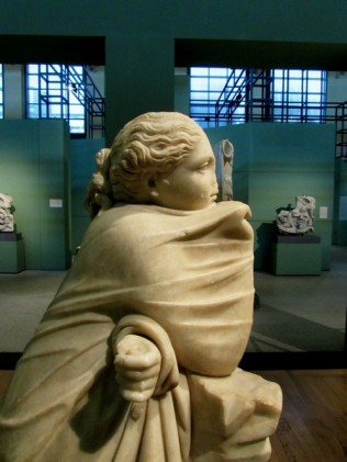 Statua di Musa , II sec a.C da Horti Variani, Centrale Montemartini Roma