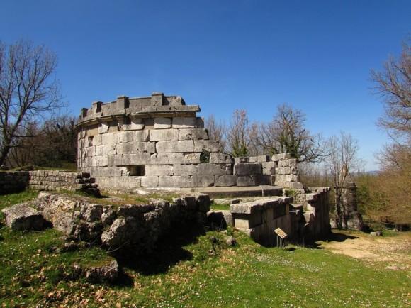 Tomba monumentale - Necropoli di Carsulae