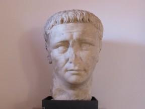 Testa Colossale di Claudio, prima metà I sec d.Co - Museo archeologico di Carsulae