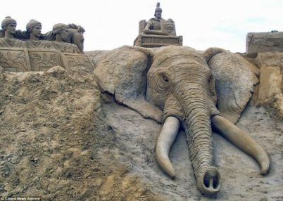 photo sourse: http://www.sandsculpture.co.uk/