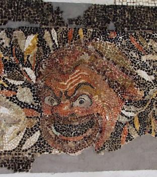 Maschera sulla cornice - The maskss