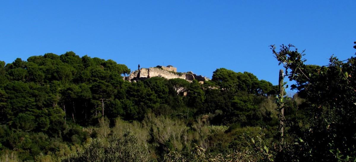 Villa Iovis, amata da Tiberio svetta su Capri, bella e impossibile!