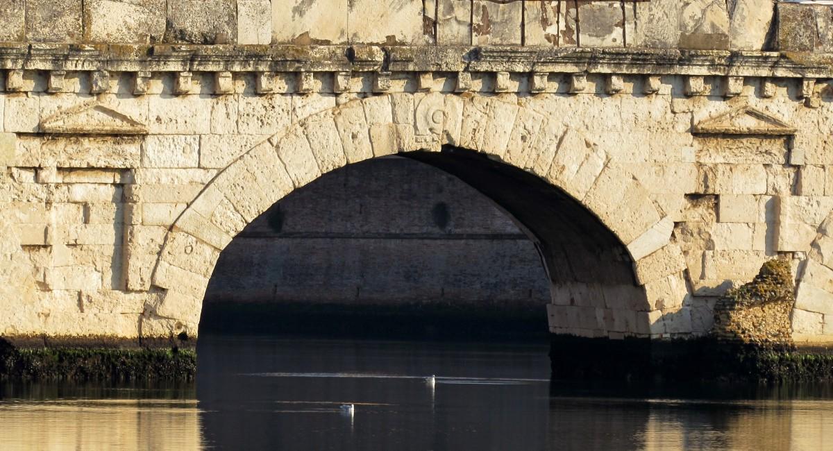 Il ponte di Tiberio ad Ariminum caput viarum!