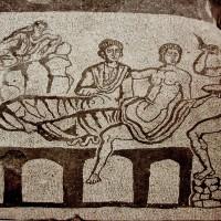 La Domus del Banchetto a Gubbio, i suoi mosaici e il mistero dei pavimenti sfondati.