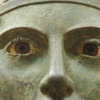 L'Auriga di Delfi, uno sguardo salvato da un terremoto.